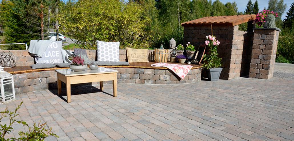 hage terrasse hagen og terrassen kan bli en liten vakker oase for ...